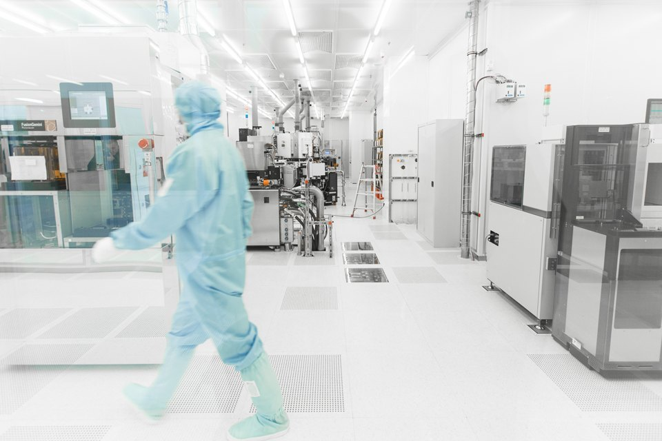 differential pressure in cleanroom